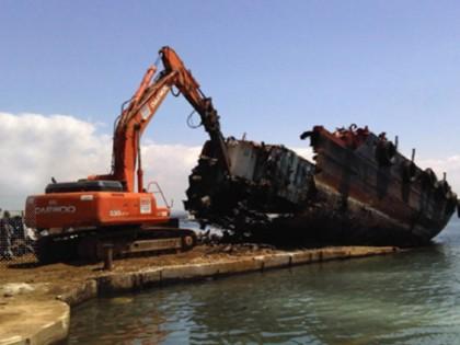 Bonifica e demolizione nave Tellaro